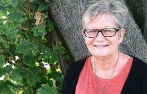 Anette Holt vil hjælpe kvinder til at skærpe de åndelig sanser.