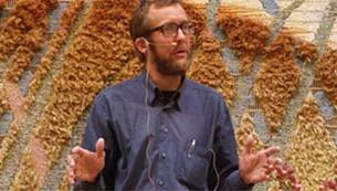 Lektor, ph.d. Søren Holst, en af oversætterne bag 'Begyndelsen og Tænkeren', som er Bibelselskabets nudanske oversættelse af 1. Mosebog og Prædikerens Bog.