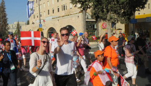 I år var der flere danskere end tidligere blandt de 5.500 kristne udlændinge, som marcherede gennem Jerusalem under Løvhyttefesten.