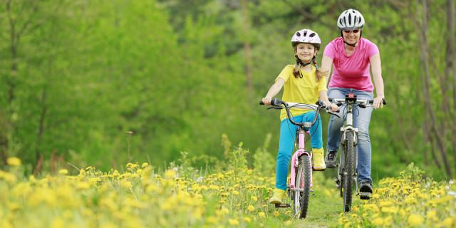 Rent praktisk er det også en god idé at tage på nogle udflugter eller afsætte tid til at være sammen med én datter ad gangen. På den måde er der mulighed for at sætte fokus på det, der er særligt for den enkelte.