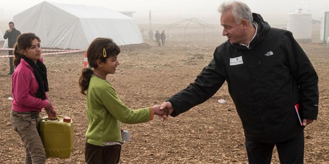 s9_Yezidipige siger tak til Mission Østs generalsekretær_SLIDE